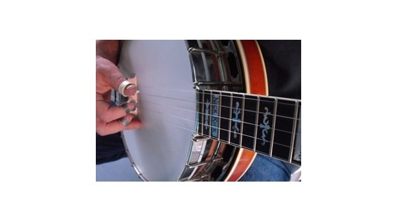 Advice in the picking and fretting hand